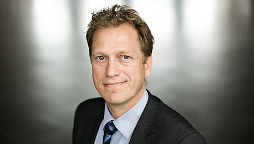Conny Præstkjær Christophersen (05-11-2015): Akkreditering af fotograf Mikkel Østergaard